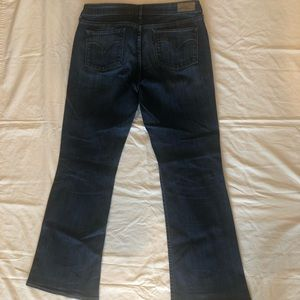 Levi 30 slight curve boot cut